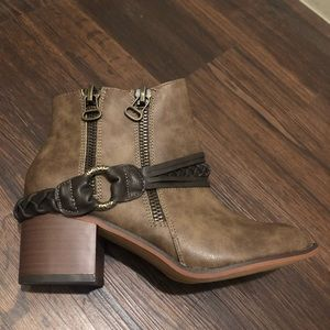 Pair of brown new leather booties new no box 8.5